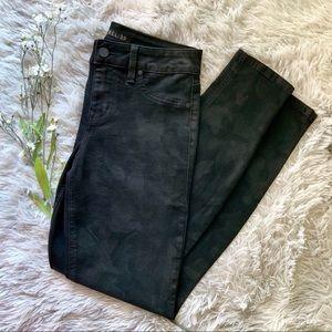 NWOT Level 99 Subtle Camo Skinny Jeans